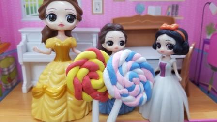 白雪公主故事 贝儿懂得知恩图报,送棒棒糖报答白雪的帮助!