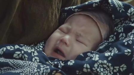 婴儿在船上大哭,河水突然汹涌,所有人都让妈妈把婴儿扔河里