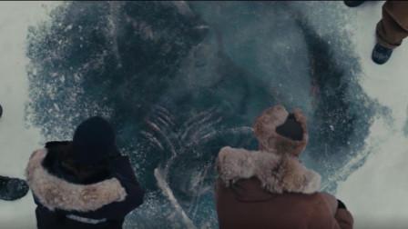 冰层下发现100万年前的飞船,里面的怪物还幸存,悬疑怪兽片