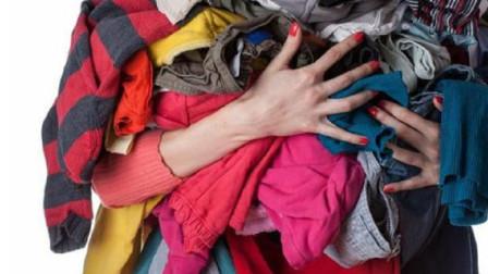 """""""洗干净的,给你家孩子穿吧"""",宝妈收下旧衣服,第二天转手就扔了"""