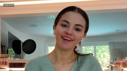 【中英双字】Selena Gomez丨10分钟日常美 妆教程10 Minute On-The-Go Beauty Routine丨Allure