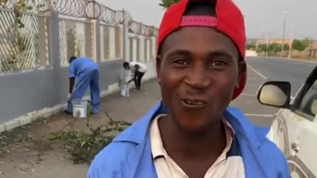 非洲小伙这是嫌弃俺的河南话了吗?