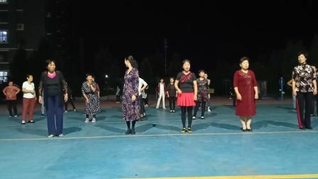 乾城社区舞蹈队《旋转恰恰》