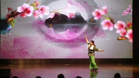 """横沙岛 """"长江口的赤卫队长""""和她的战友们  演唱者:沈红英    伴舞:王丽萍、陆裕珍、倪妹芳、仇翠珍"""