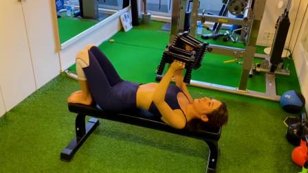 瑜伽体式训练,借助工具手臂燃脂塑型,提升手臂核心力量!