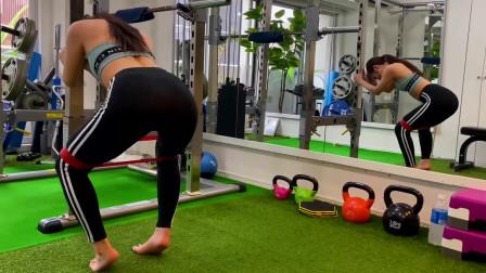 瑜伽体式训练,健身房下蹲式燃脂塑型,提部核心力量