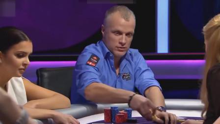 德州扑克:美女抽同花顺,河牌掉顺子比掉同花更好一点