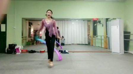 古典舞左手指月分解动作九,阜阳艺路舞蹈提供