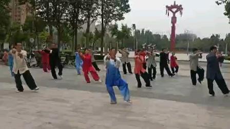 我和拳友们再练传统杨式太极拳(4)