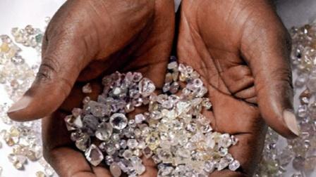 非洲钻石堪比白菜价,为什么中国人到此旅游,却不买呢?