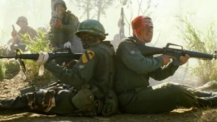 越战大片:美军惨遭越军死亡冲锋