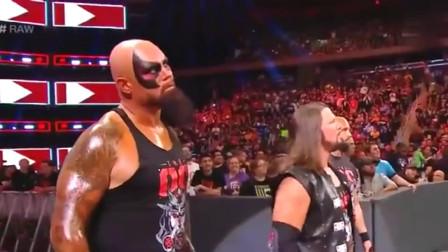 WWE:恶少AJ胆大包天,敢对奥斯丁出言不逊,冷石毫不犹豫将其送上断头台