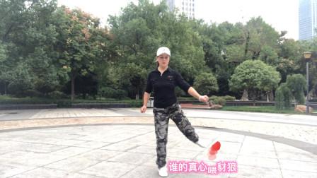 58岁大妈每天爱跳鬼步舞,健身又娱乐,越跳越年轻