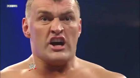WWE:经典三重威胁赛,巨人卡里vs HHH vs科兹洛夫,精彩不容错过!