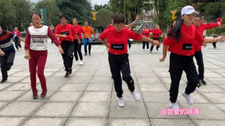 这才是真正的鬼步舞,简单飘逸64步,比广场舞更有活力