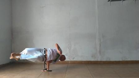 巴西战舞Capoeira 单人Flow健身动作套路(Beija-flor tesourado - Relógio - Passagem por trás)