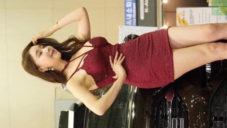 [4K]汽车沙龙周车模红色短裙