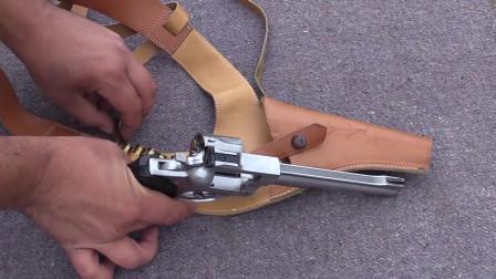 刚买的鲁格左轮手枪,靶场实弹射击测试,老外对它爱不释手