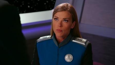 舰长和同事飞船内玩游戏,未来得格斗游戏还可以这样玩,长见识了