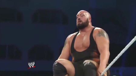 WWE精彩回顾:大秀哥的耻辱时刻,被塞萨罗一个绝招打得陷入昏厥!