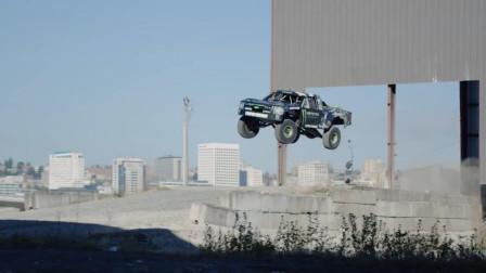 这辆车没有翅膀,却被称为陆地飞行器,汽车里的草上飞?