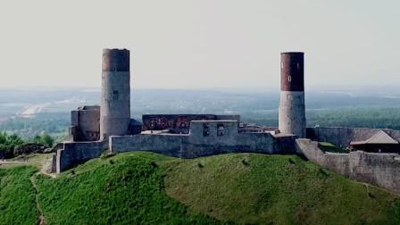 在中世纪的亨齐内城堡里聆听古老的传说