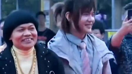 叶竟生被称为香港最丑的男人,周星驰金牌配角,儿子却长的很帅!
