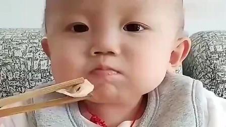宝宝吃水饺,宝宝一番情话,太有才啦!
