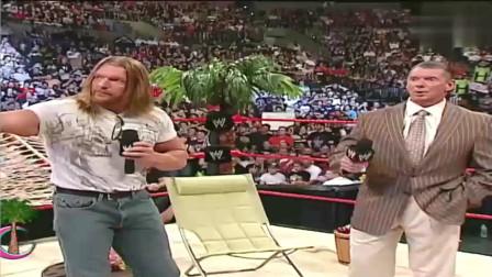 WWE:400斤黑胖妞一登场,老板麦克曼眼睛都看直,这真是女人吗