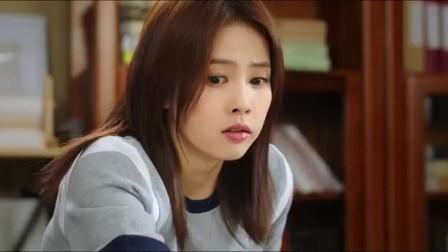 江君看着袁帅这么受欢迎,已经开始吃醋了,到底是不是亲妈啊.