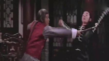 影视:小伙深山苦练螳螂拳,半夜找绝世高手报仇,一拳直接爆肚