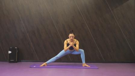瘦腿,别光盲目运动,也要记得拉伸,3个拉伸塑形动作送给你