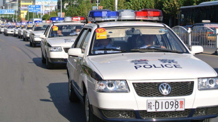 为什么警察抓人要鸣笛,不怕坏人听见逃跑吗?还是有特殊的用意?
