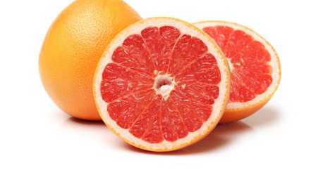 尿酸升高怎么办?2种常见水果,降低尿酸,痛风病会悄悄改善