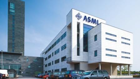 ASML作出重大决定:继续出售国内光刻机