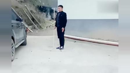 农村大叔现场演练传统武术棍法,只学了几招,还望指教!