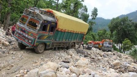Top5世界上最危险的公路,一不小心就葬身百米悬崖!