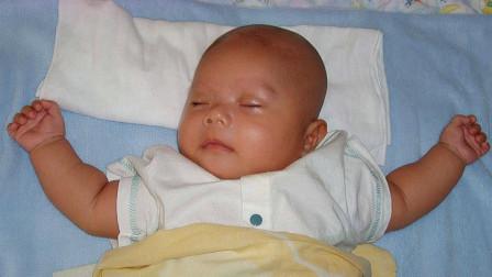 """孩子睡姿暗示了他的性格,若是第一种""""睡姿"""",家长偷着乐吧"""