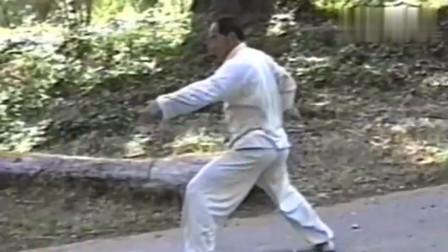 80年代徐谷鸣老师现场演练传统武术八卦掌龙形掌!