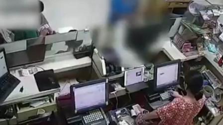江苏男子买20000多元彩票一张没中 接下来的举动让老板震惊