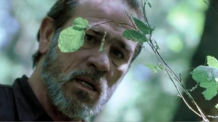 求生专家在森林发现奇怪陷阱,轻轻一拉,随后可怕一幕出现了