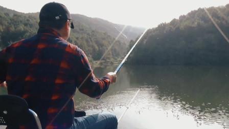 深山水库钓鱼,重装前行20分钟到钓点,鱼获竟然是这样