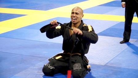 巴西柔术世界冠军,技压群雄虐翻全场,都不是他的对手!