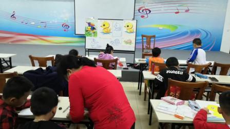 儋州市文化馆公益卡通画班学习剪影之五