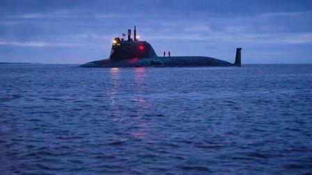 一声不吭造6艘主力军舰,美国危机感重重,质问:资金哪里来的?