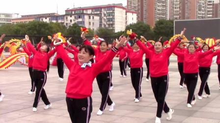 高安市凤凰社区健身球协会鞭陀龙协会举办《九九重阳节》欢聚一堂