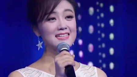 王小玮一首《轻轻的告诉你》歌声甜美