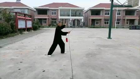 老师教学–42式太极剑(40摆腿架剑)