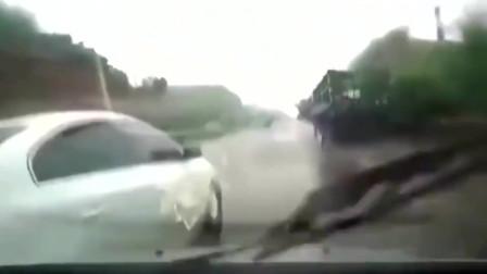 行车记录仪:路怒症!沃尔沃不断别车,真把自己当豪车了,以为不敢撞你吗?