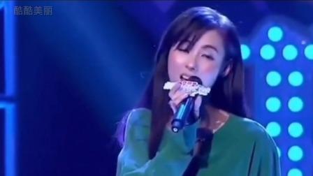 张柏芝一首伤感歌曲《不该为你动了心》全是爱过你的惩罚,感动了全场